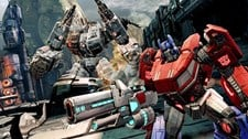 Transformers: Fall of Cybertron (Xbox 360) Screenshot 1
