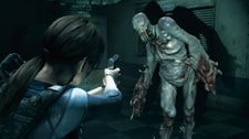 Resident Evil Revelations (Xbox 360) Screenshot 1