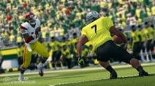 NCAA Football 14 Screenshot 1