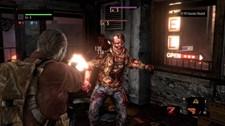 Resident Evil Revelations 2 (Xbox 360) Screenshot 2